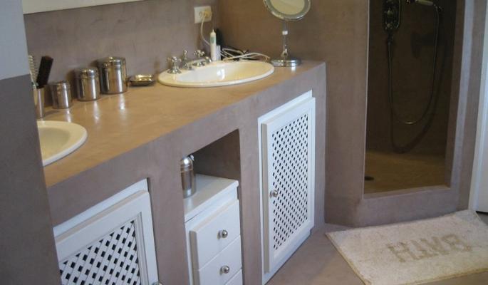 Betonisart creaci n de mobiliario con cemento pulido - Salle de bain beton cire blanc ...